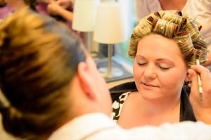 Hochzeitsreportage in Kassel beim Friseur