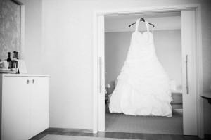 Hochzeitsreportage - Anziehen Braut - Brautkleid