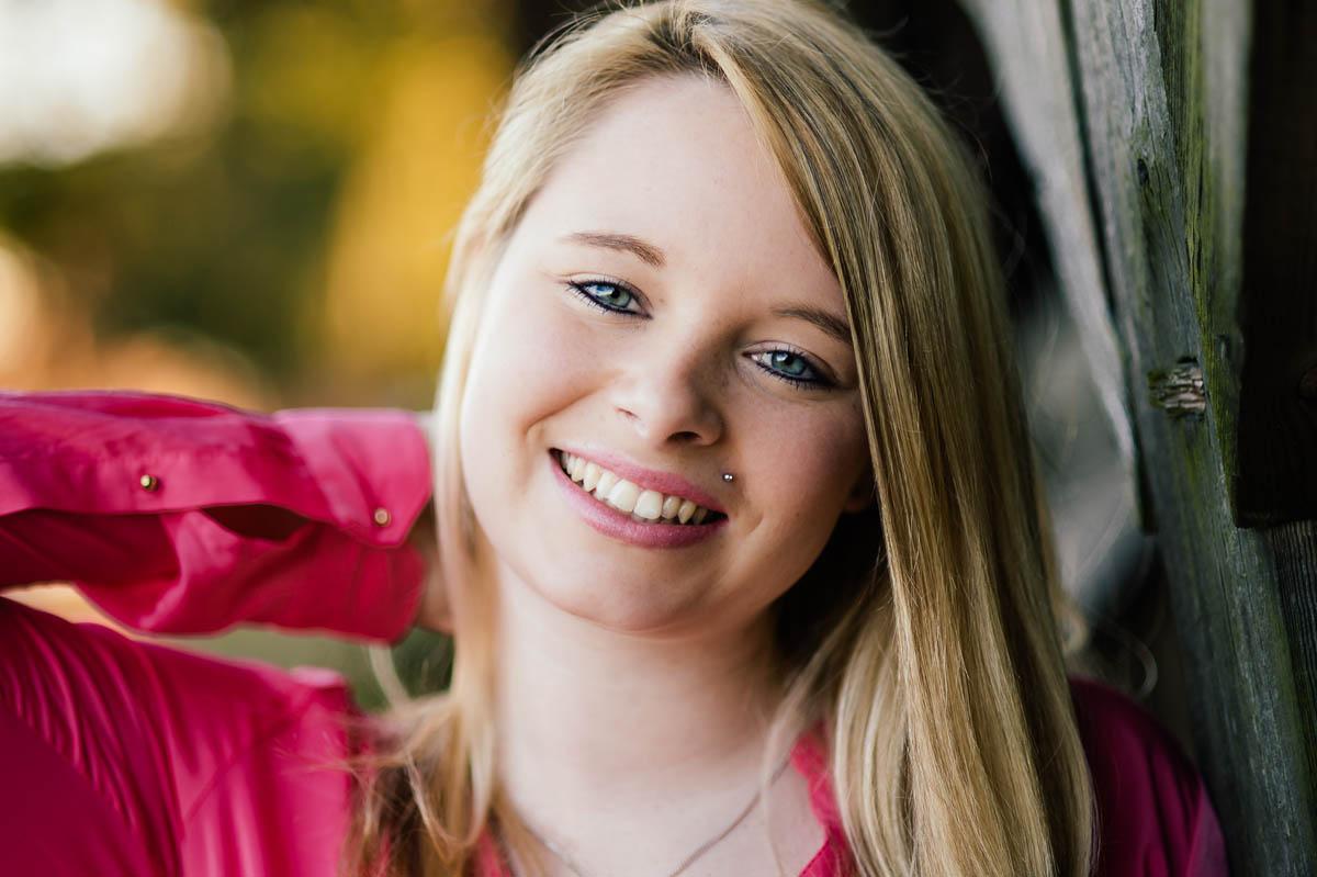 Closeup-Portrait  Nina aus Borgholzhausen - strahlendes Lächeln