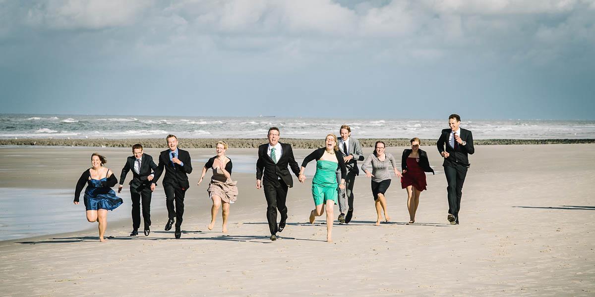 Gruppenfotos  am  Strand auf Wangerooge