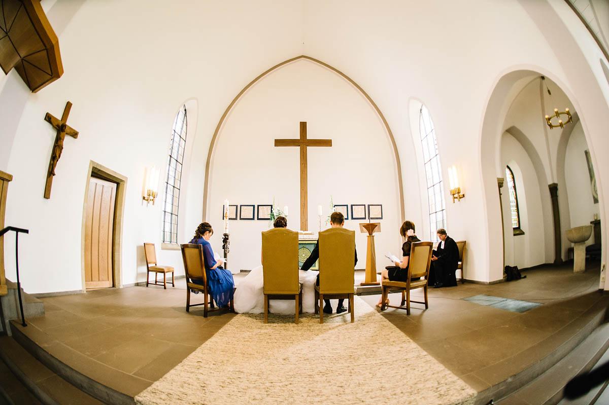 Trauung in der Apostelkirche in Gütersloh